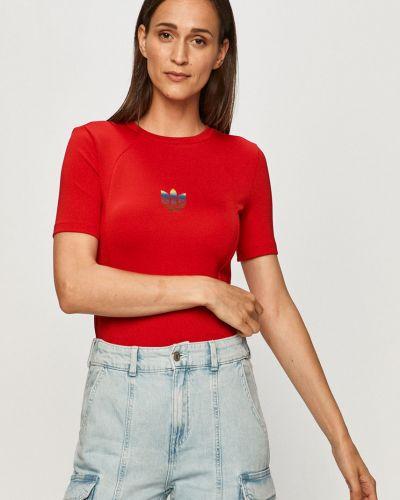 Czerwony top sportowy z printem Adidas Originals