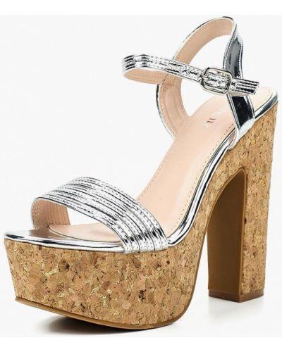 Босоножки на каблуке лаковые Marquiiz