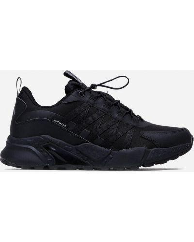 Кроссовки - черные Sprandi