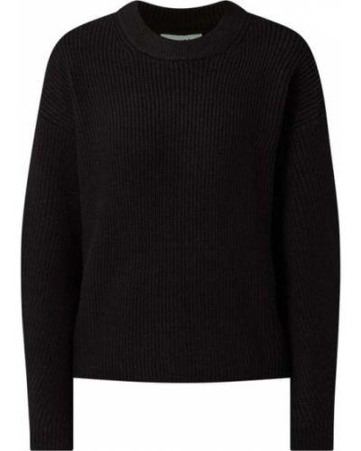 Czarny sweter Moves