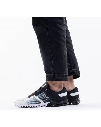 Черные кроссовки беговые для бега On Running