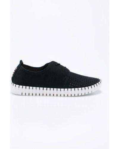 Кроссовки на шнуровке черный Carinii