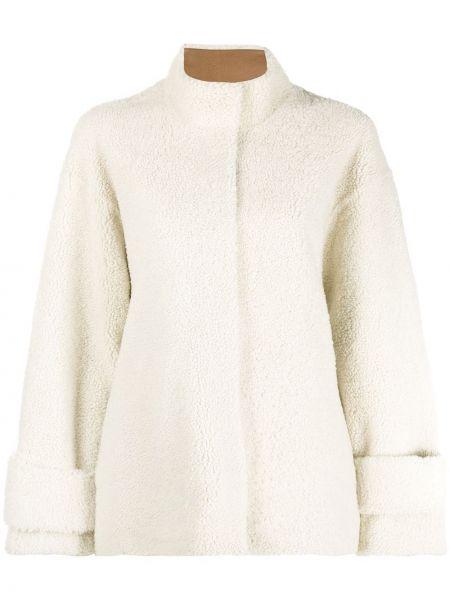 С рукавами однобортное кожаное пальто с воротником из овчины Liska