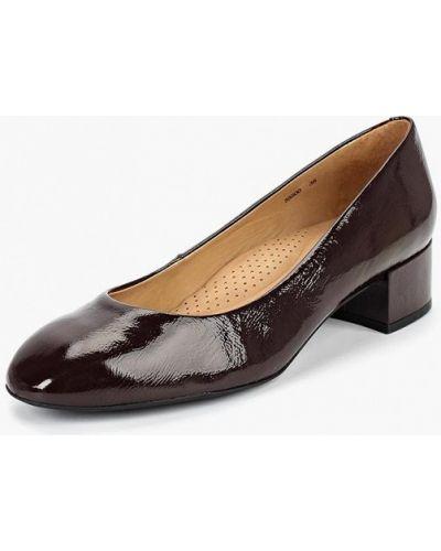 Кожаные туфли на каблуке осенние Indiana