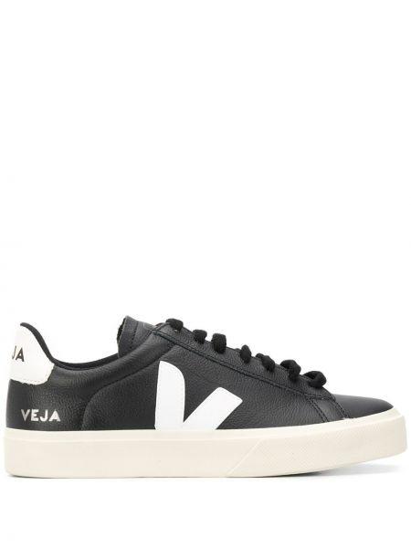 Черные кожаные кроссовки Veja