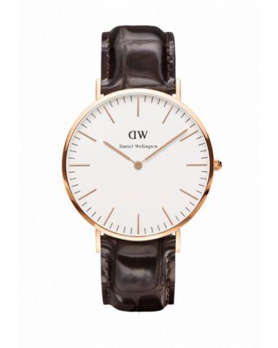 Часы коричневый шведский Daniel Wellington