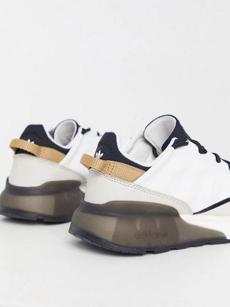 Текстильные повседневные белые кроссовки Adidas