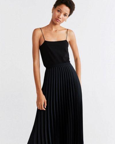Плиссированная юбка черная Mango