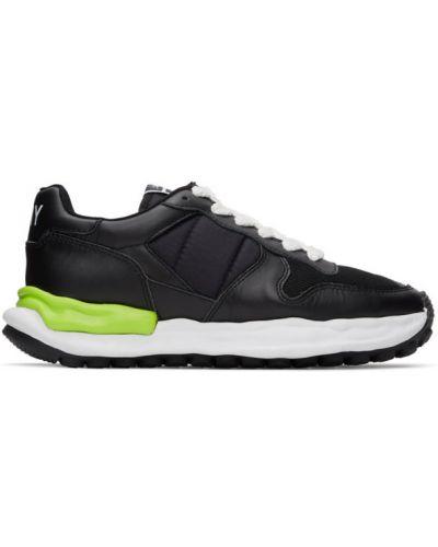 Czarne sneakersy do biegania skorzane sznurowane Miharayasuhiro