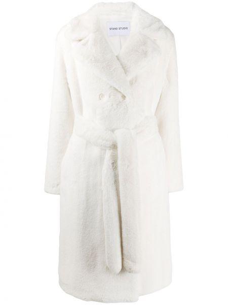 Белое пальто классическое с поясом на пуговицах из искусственного меха Stand