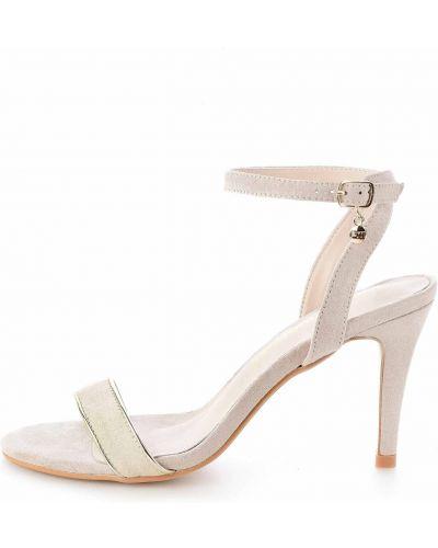 Sandały skórzane na obcasie - beżowe Primamoda