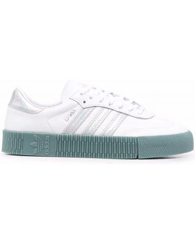Белые кроссовки с нашивками Adidas Kids