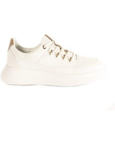 Кроссовки - белые Fereski