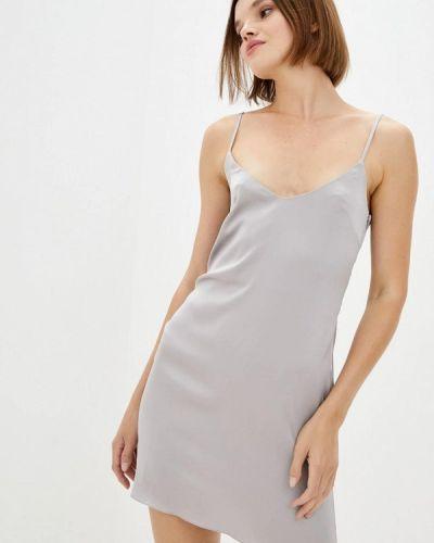 Серое платье с жемчугом Pearl Fashion Group