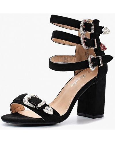 Босоножки на каблуке велюровые Renda