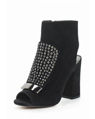 Черные босоножки на каблуке Ilvi