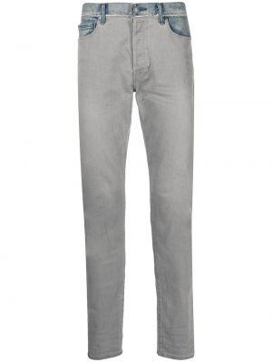 Klasyczne mom jeans John Elliott