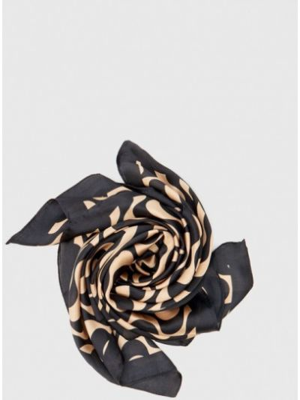 Черный зимний платок Stradivarius
