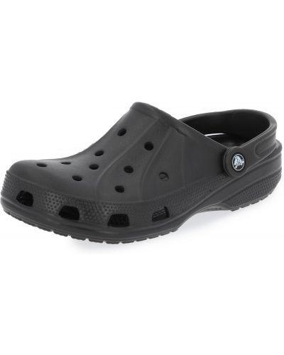 С ремешком пляжные черные сабо Crocs