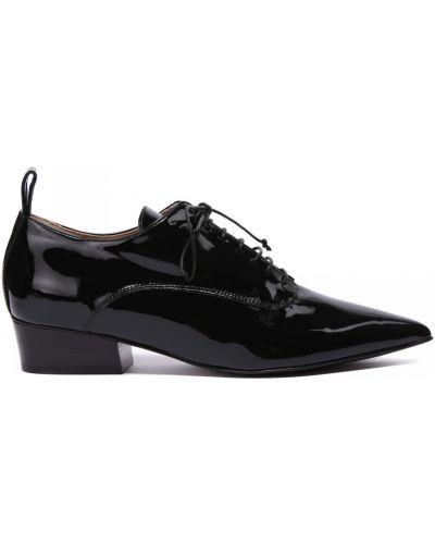 Кожаные туфли закрытые на шнуровке No One
