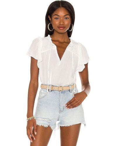 Текстильная белая блузка с декольте 1. State