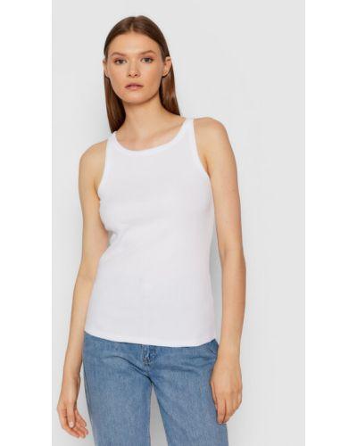 Biała koszulka Gestuz