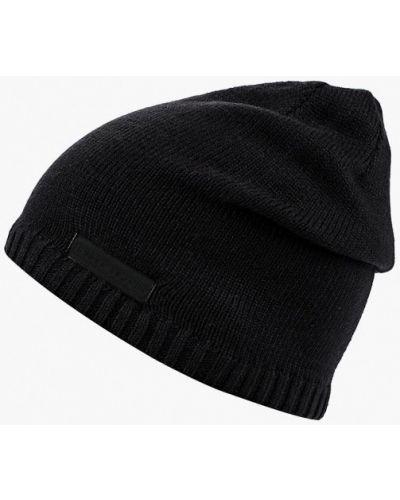 Черная шапка осенняя Under Armour