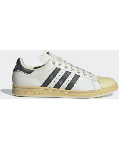 Кроссовки с перфорацией - черные Adidas