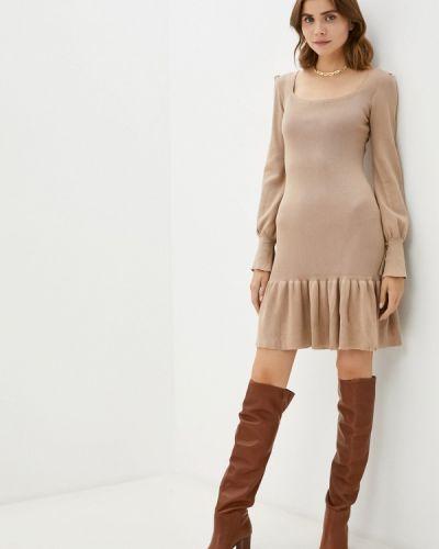 Бежевое зимнее платье Goldrai