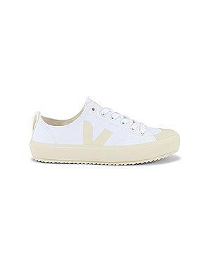 Белые текстильные кроссовки на шнуровке Veja