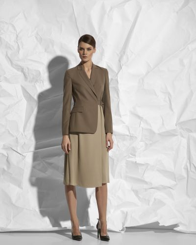 Вечернее платье платье-пиджак из вискозы Vassa&co