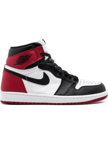 Кожаные кроссовки черные высокие Jordan