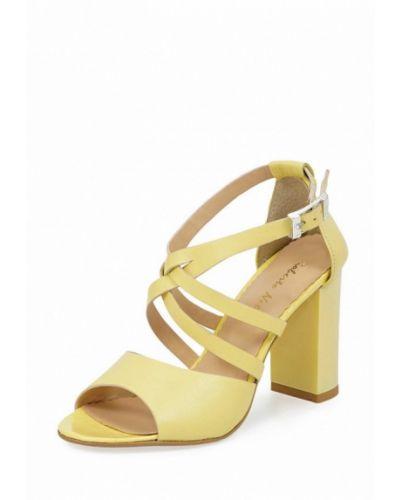 Желтые босоножки на каблуке Roberto Netti