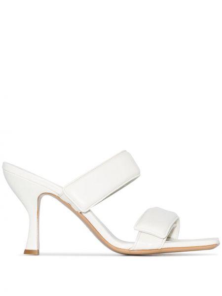 Кожаные босоножки - белые Gia Couture