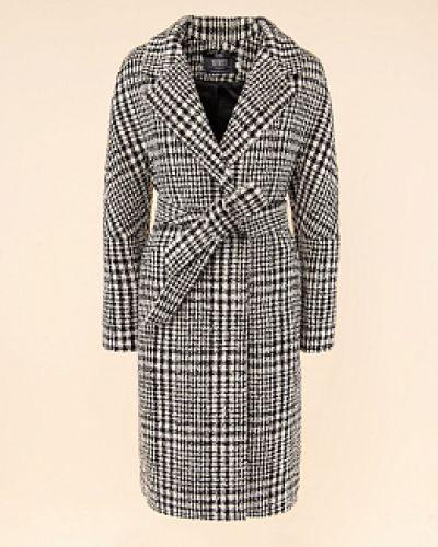 Черное пальто с воротником твидовое каляев
