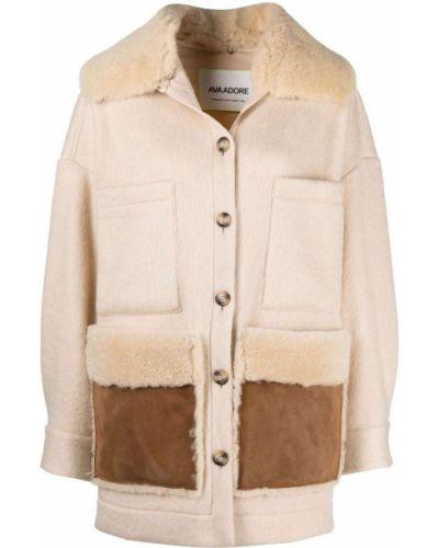 Бежевое пальто из овчины Ava Adore