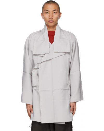 Długi płaszcz z długimi rękawami srebrny 132 5. Issey Miyake