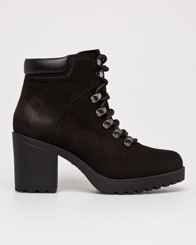 Кожаные сапоги на каблуке на шнуровке Vagabond