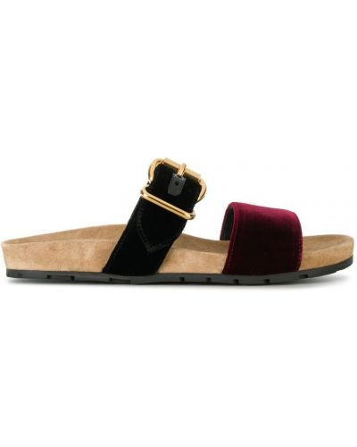 Красные сандалии Prada