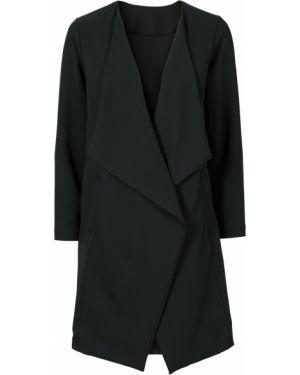 Джинсовая куртка черная с карманами Bonprix