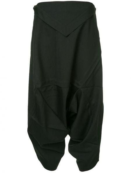 Шерстяные черные брюки свободного кроя с низкой посадкой 132 5. Issey Miyake