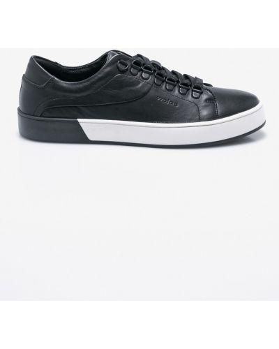 Черные туфли Wojas