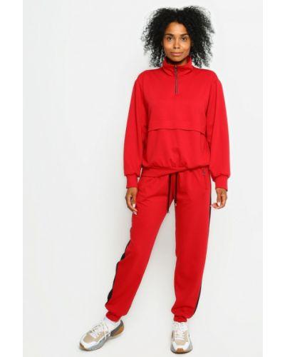 Красный спортивный костюм Malaeva