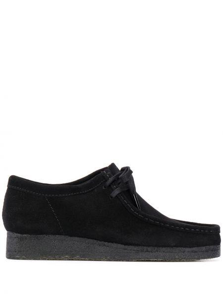 Брендовые черные замшевые туфли Clarks Originals