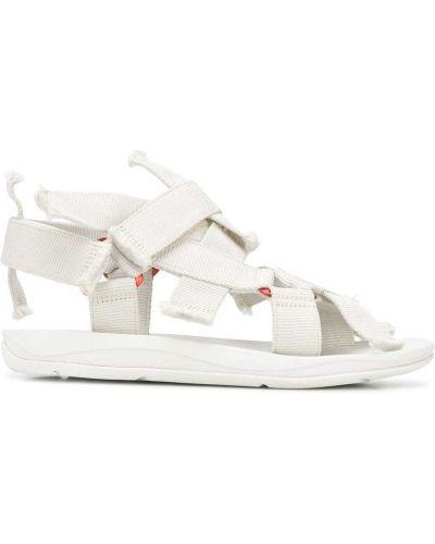 Białe sandały płaska podeszwa peep toe Camperlab