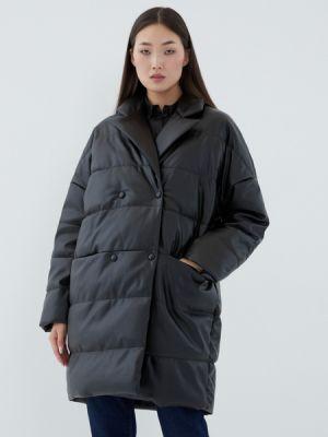 Черное пальто из полиэстера Zarina