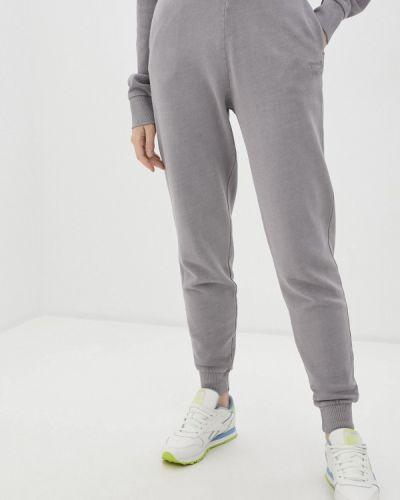 Серые классические брюки Reebok Classic
