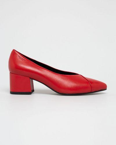 Туфли на каблуке кожаные красные Vagabond