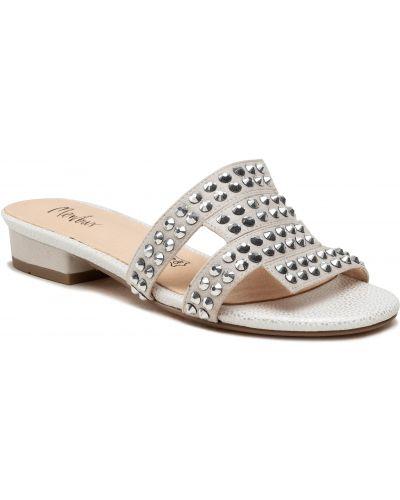 Szare sandały na lato Menbur