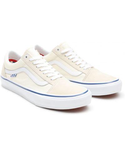 Замшевые белые кеды на каблуке Vans